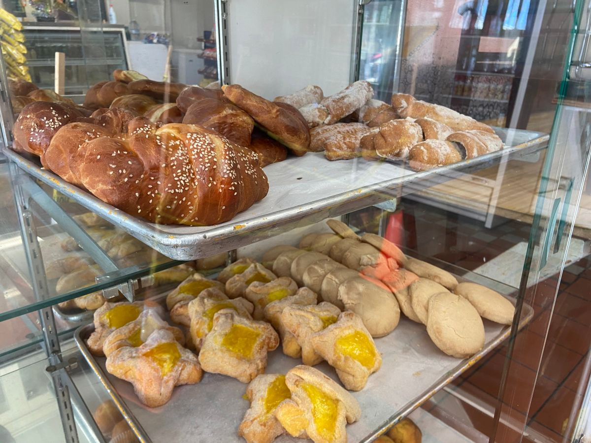 While the selection isn't as extensive as some other bakeries, Lopez's pan dulce is worth the trek to the corner of International Boulevard and 97th Avenue. Photo: Azucena Rasilla
